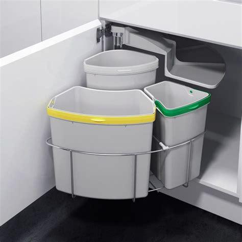 poubelle de porte cuisine les 25 meilleures idées de la catégorie poubelle sous