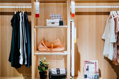How Much Is A Walk In Closet by How Much Does A Walk In Closet Cost Homesthetics
