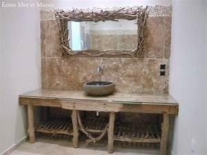 Salle De Bain En Bois : salle de bain en bois flott entre mer et marais cr ations en bois flott ~ Teatrodelosmanantiales.com Idées de Décoration