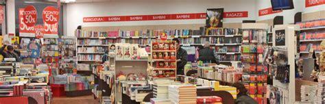 mondadori libreria mondadori libreria shop eat bologna airport g marconi