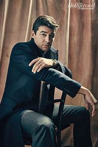 Kyle Chandler Central: February 2015