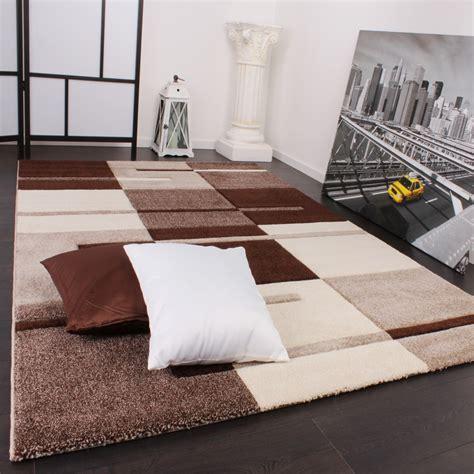 teppich mit muster designer teppich mit konturenschnitt karo muster