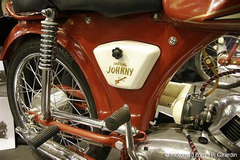 paloma la moto de johnny hallyday  retromobile