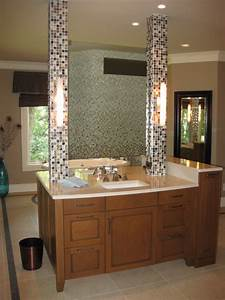 Double sided vanity with 'floating' mirror - Contemporary