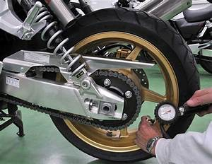 Pression Pneu Moto : gonfler soi m me les pneus de sa moto detail moto tout sur la moto ~ Medecine-chirurgie-esthetiques.com Avis de Voitures