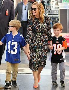 Amy Poehler brings her kids as she gets a star on the ...