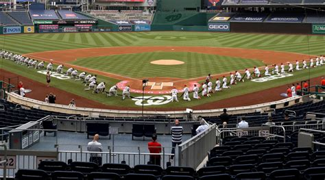 yankees nationals  baseball provide hope  surreal opener