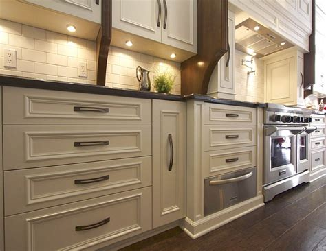 kitchen cabinets with drawers only 4 reasons you should choose drawers instead of lower cabinets