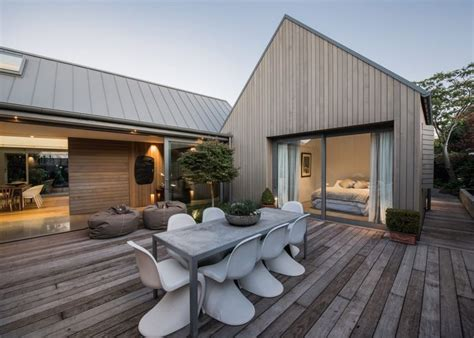 House For A Family In New Zealand by Best 25 House Roof Design Ideas On Tiny House