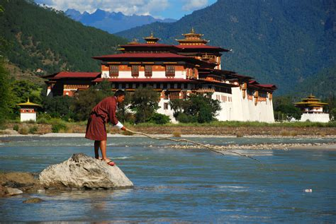 Punakha Dzong - Palace in Bhutan - Thousand Wonders