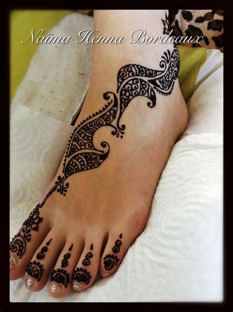 henna sur le pied de tatouagehennebordeaux