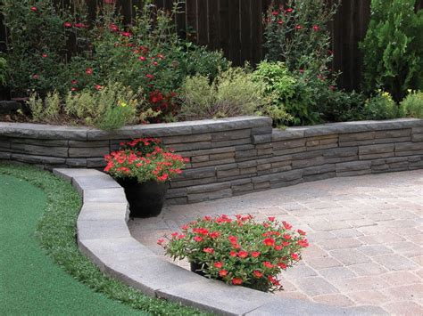 """• how to build a block wall lay the blocks. Natural Impressions Flagstone 4"""" x 12"""" Retaining Wall ..."""
