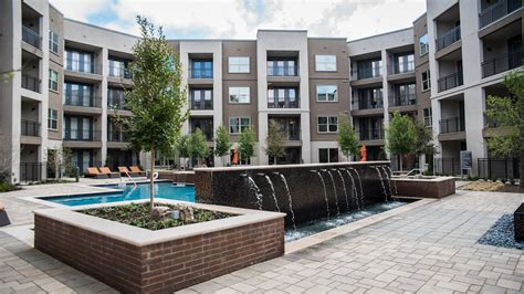 Aura Prestonwood|luxury One And Two Bedroom Apartments In