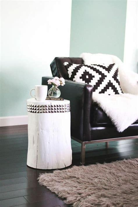 plaids fausse fourrure pour canapé 17 meilleures idées à propos de canapés en cuir noir sur