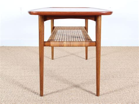 Mid century modern furniture has always been interesting to me, but i haven't worked with it much. Mid-Century Modern scandinavian coffee table in teak and oak - Galerie Møbler
