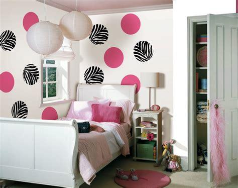 membuat hiasan dinding kamar tidur sederhana