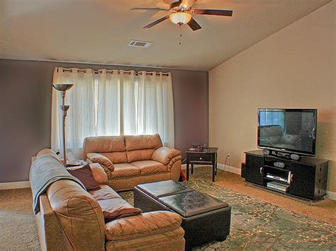 two tone living room walls two tone living room paint ideas