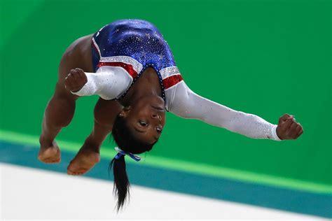 olympia turnen superstar simone biles ueberragt im