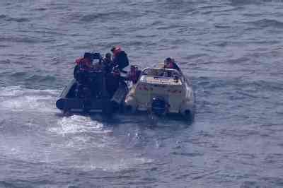 Channel rescuers pick up 34 migrants | News | The Times