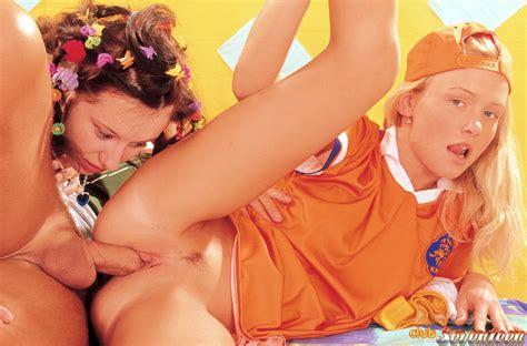 Dutch Club Seventeen Girls Naked Photo