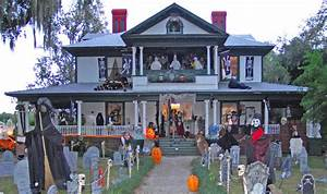 Halloween In Amerika : creepy and scary house decorations for halloween ~ Frokenaadalensverden.com Haus und Dekorationen