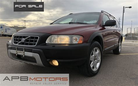 volvo xc  cross country awd  miles leather tow