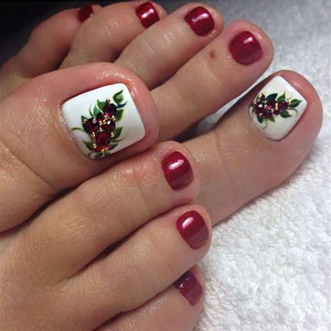 Para que tus uñas no se vena feas mientras presumes el anillo. Uñas navideñas | Uñas de gel navideñas, Diseños de uñas pies, Uñas de gel