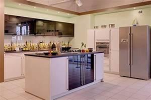 Küchen Modern Mit Kochinsel : bauformat musterk che k che mit kochinsel ausstellungsk che in hof von k chentreff friedrich e k ~ Sanjose-hotels-ca.com Haus und Dekorationen
