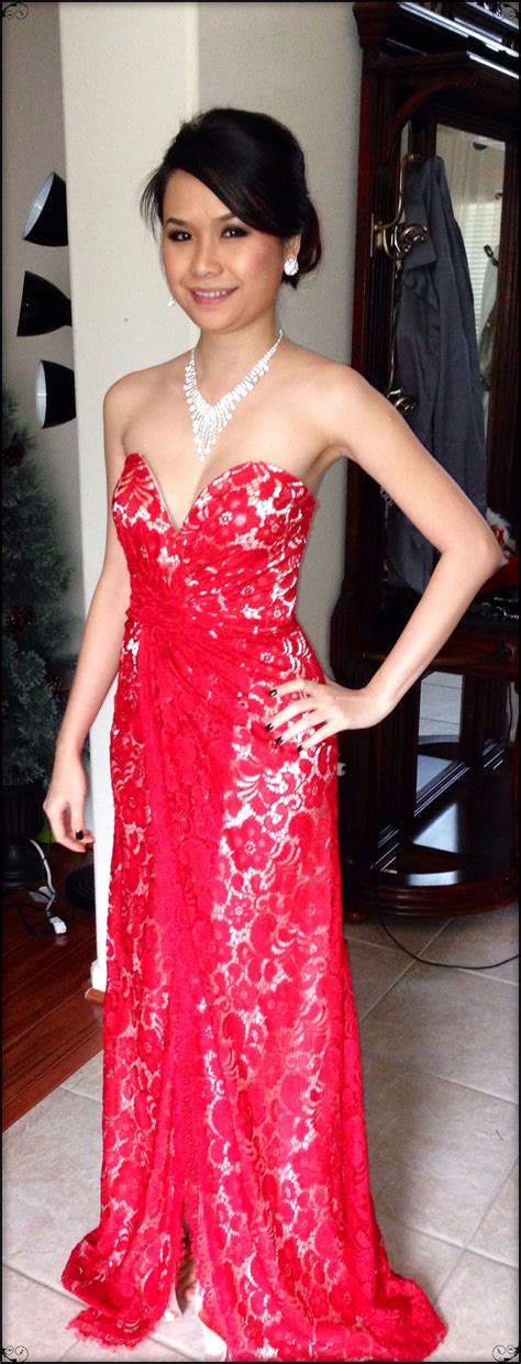 Stunning- neiman Marcus- red lace evening gown 2013 ...