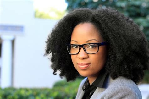 32 Beautifully Bold Natural Hairstyles For Professionals