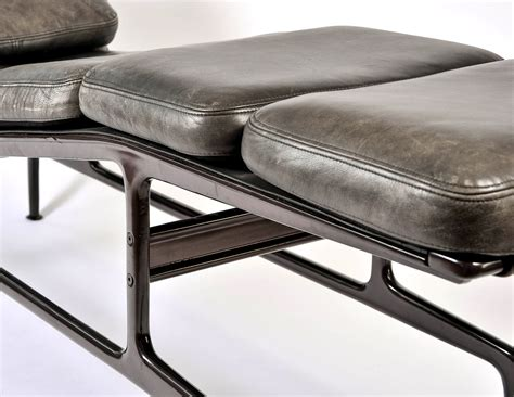 chaise longue cuir chaise longue eames simple eames palisander with walnut
