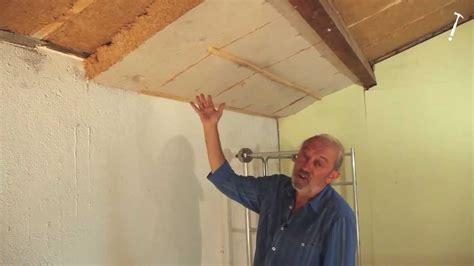 isoler sol garage pour faire chambre isoler les combles avec des panneaux de bois tuto brico