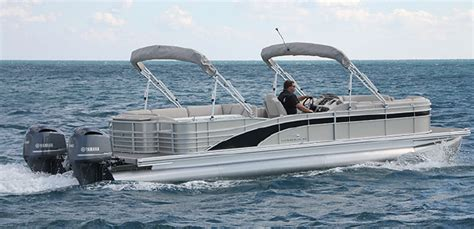 30 Pontoon Boat by Bennington 30 Club The 50 Mph Living Room Boats