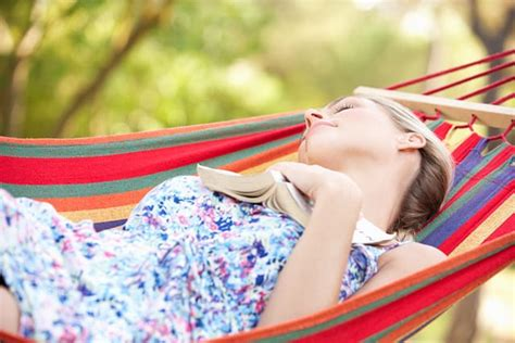 Sleep In A Hammock by Hammock Vs Bed Which Is Best For You The Sleep Judge