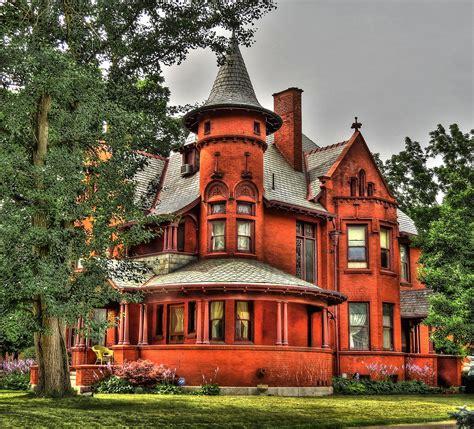 amazing   restored victorian houses