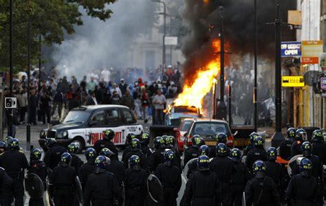 london riots vigilantes   restore order  uneasy