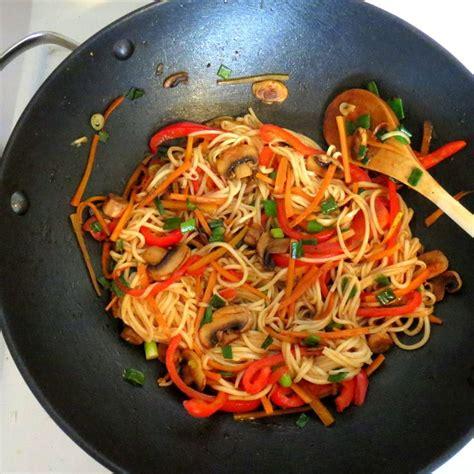 cuisiner des nouilles chinoises 1000 idées sur le thème nouilles chinoises sur