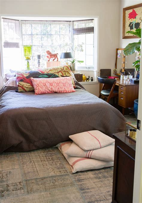 pull it beds in front of windows apartment therapy