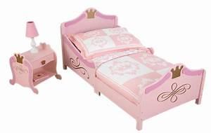 Lit Princesse Fille : chambre princesse lit chevet parure offerte ~ Teatrodelosmanantiales.com Idées de Décoration