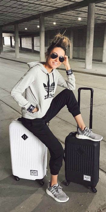 Travel Outfits Airport style How To Look Fashionable During Travel | Black joggers Grey ...