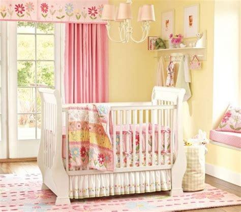 rideau chambre garcon peinture chambre bébé les couleurs pastel et leur charme