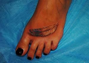 Tattoo Auf Dem Fuß : tattoo von feder in tusche auf dem fu f r frauen ~ Frokenaadalensverden.com Haus und Dekorationen