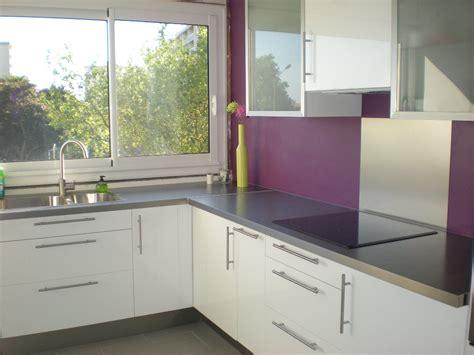 plus cuisine cuisine mur violet recherche cuisine parme