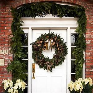 Weihnachtsdeko Vor Haustür : weihnachtliche dekoration f r einen festlichen hauseingang ~ Frokenaadalensverden.com Haus und Dekorationen