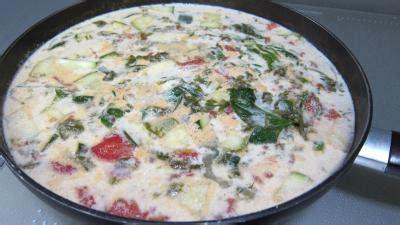 cuisiner l oseille soupe à l 39 oseille recette entrées chaudes supertoinette