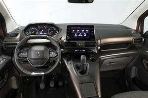 Peugeot Rifter Interieur : en images le nouveau ludospace peugeot rifter en d tail ~ Dallasstarsshop.com Idées de Décoration
