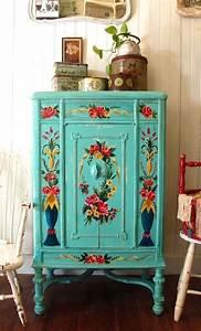 Peindre Un Meuble En Bois : meuble comment peindre un meuble en bois 1000 id es ~ Dailycaller-alerts.com Idées de Décoration