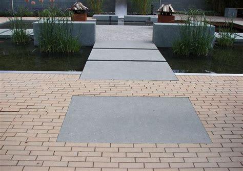 Betonplatten Versiegeln Material by Klinkerpflaster Grossformatige Betonplatten F 252 Ren Zum