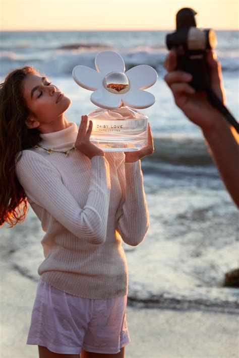 Kaia Gerber stars in Marc Jacobs' Newest Fragrance ...