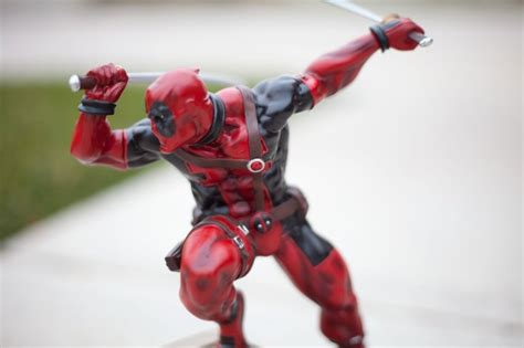 Deadpool Fine Art Statue